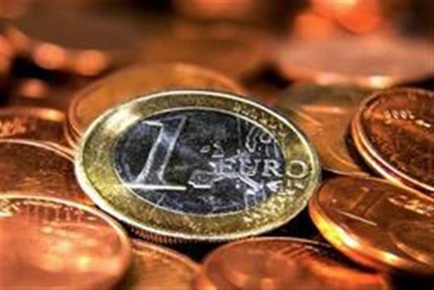 Le Pen recule sur la sortie de la France de l'euro