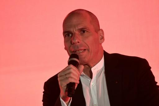 L'ancien ministre grec Yanis Varoufakis signe une tribune anti-Macron