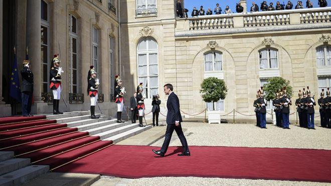 Emmanuel Macron devient officiellement le huitième président de la Ve République- le résumé de l'investiture (vidéos)