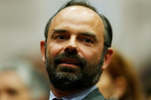 Le choix du nouveau Premier ministre divise la classe politique (SYNTHESE) — France