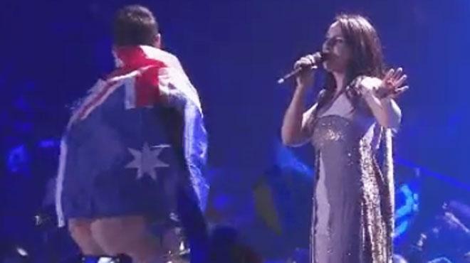L'homme qui a montré ses fesses pendant l'Eurovision devant le tribunal: il risque une lourde peine