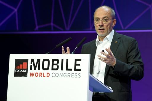 Télécoms les tarifs mobiles baissent et la fibre progresse