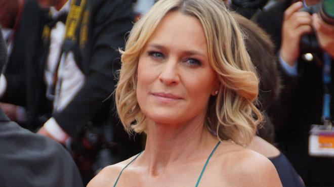 Robin Wright sans soutien-gorge au Festival de Cannes (photo)