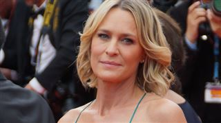 Robin Wright sans soutien-gorge au Festival de Cannes (photo)