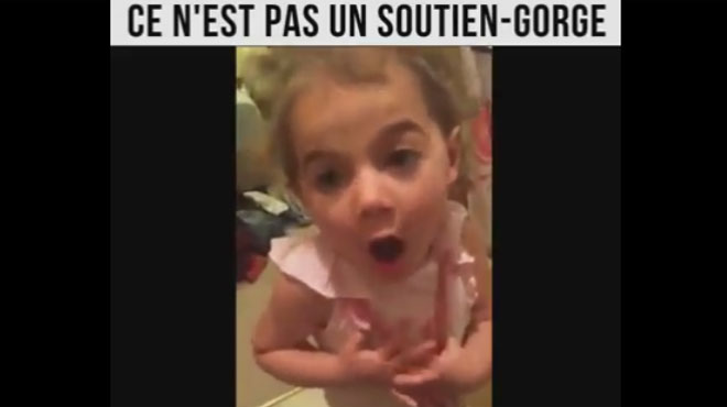 Une mère surprend sa fille: