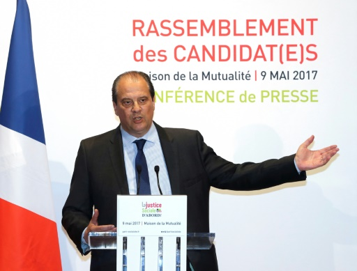 Le PS pourrait abandonner son nom et son siège — France