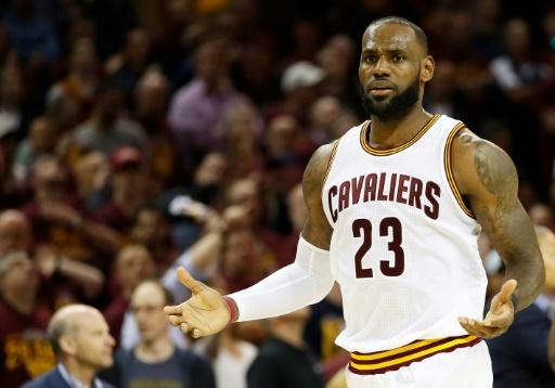 LeBron James régale et Cleveland rejoint Golden State en finale — NBA
