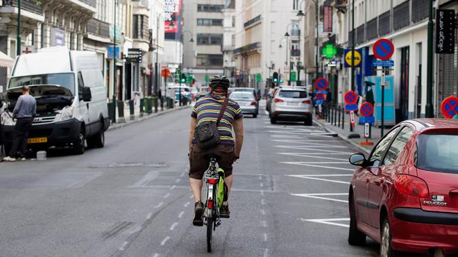 nouveau code de la route tous les cyclistes auront bient t le feu vert dans certains carrefours. Black Bedroom Furniture Sets. Home Design Ideas