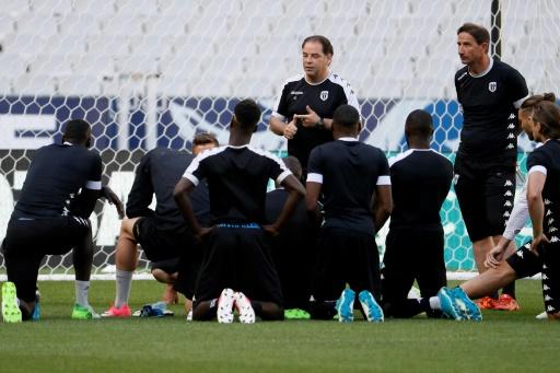 Coupe de France: Angers sans surprise, le PSG avec Aréola