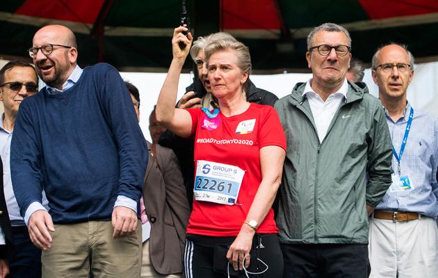 Le coup d'envoi d'une course abîme les oreilles du Premier ministre belge