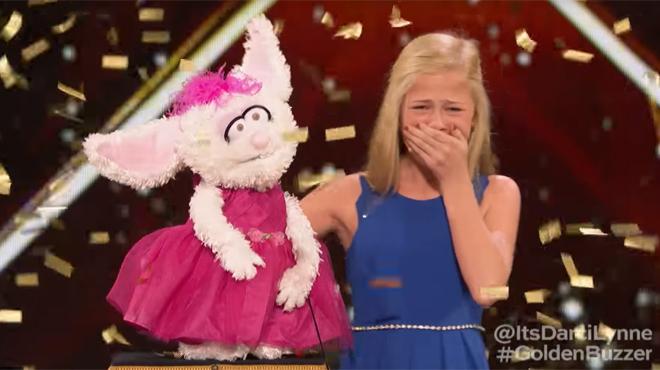 Une ventriloque de 12 ans bluffe le jury d'America's Got Talent