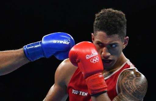 Tony Yoka enfile ses gants de pro — Boxe