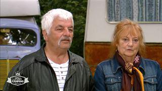 Jean-Paul et Lucienne ravis par leur caravane des années 60- Je vais te faire un enfant là-dedans