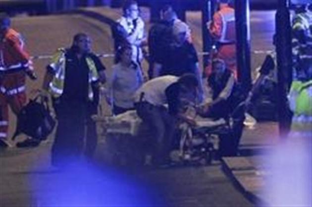 Douze arrestations dans l'est de Londres après l'attentat