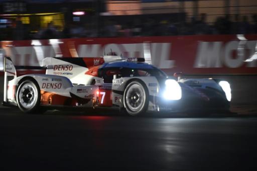 Heures du Mans: Porsche gagne après une course folle!