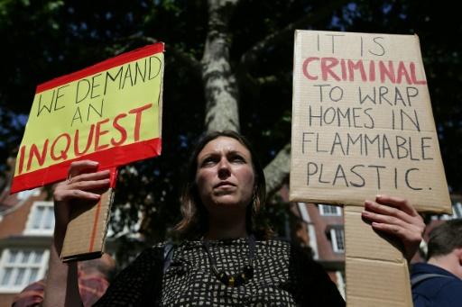 58 morts présumés dans l'incendie de la tour Grenfell — Londres