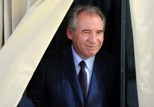 Bayrou reconnaît avoir