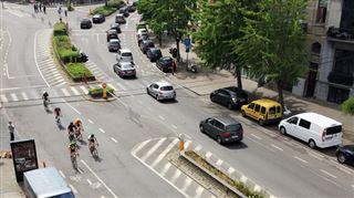 Embouteillage monstre à Bruxelles, petite ceinture fermée- le BXL Tour crée le chaos sur les routes de la capitale 3