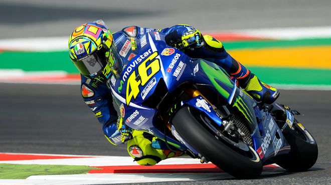 valentino rossi signe sa premi re victoire en moto gp depuis un an rtl sport. Black Bedroom Furniture Sets. Home Design Ideas