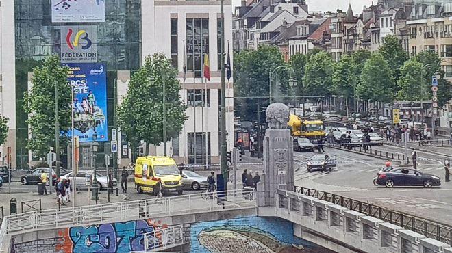 Une personne arrêtée après un esclandre devant les bâtiments de la Fédération Wallonie-Bruxelles 1
