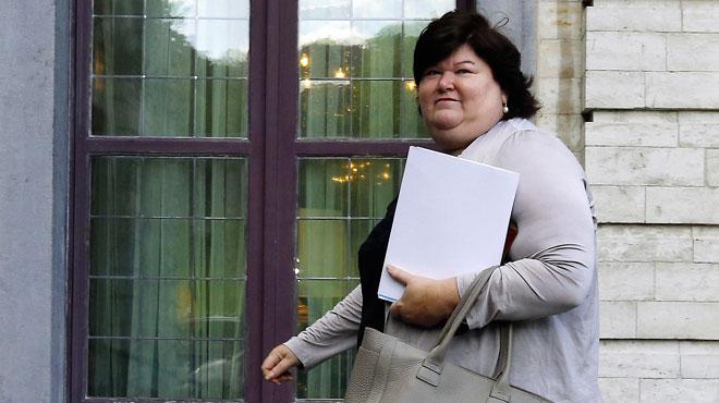 Bonne nouvelle pour les bénévoles: Maggie De Block prête à en finir avec le fameux formulaire obligatoire à rendre à l'Onem
