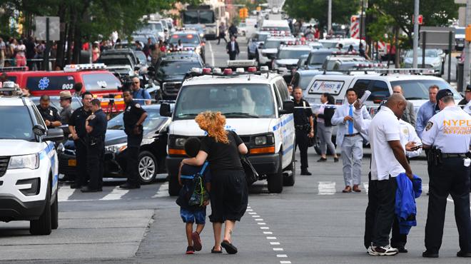 Des tirs dans un hôpital, plusieurs personnes touchées — New York