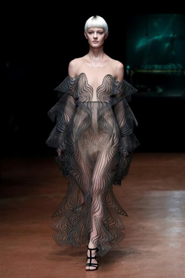 """Résultat de recherche d'images pour """"Haute couture: les 50 nuances de gris de Christian Dior"""""""