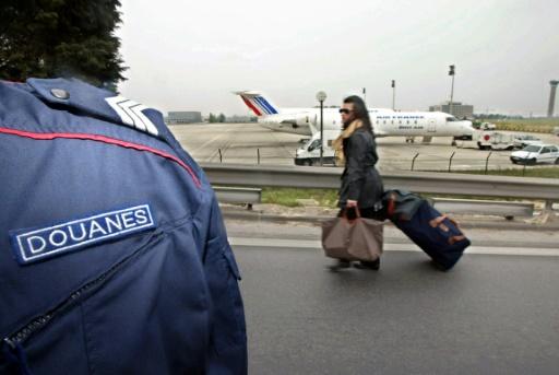 Roissy: des touristes braqués devant leur hôtel