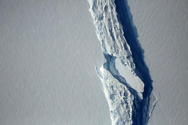 Un icebert géant s'est détaché — Antarctique