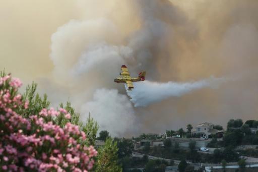 L'incendie de Castagniers fixé, 450 pompiers toujours mobilisés — Nice