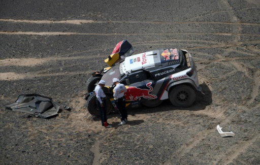 Rallye-raid Silk Way: sortie de piste pour Sébastien Loeb (Peugeot)