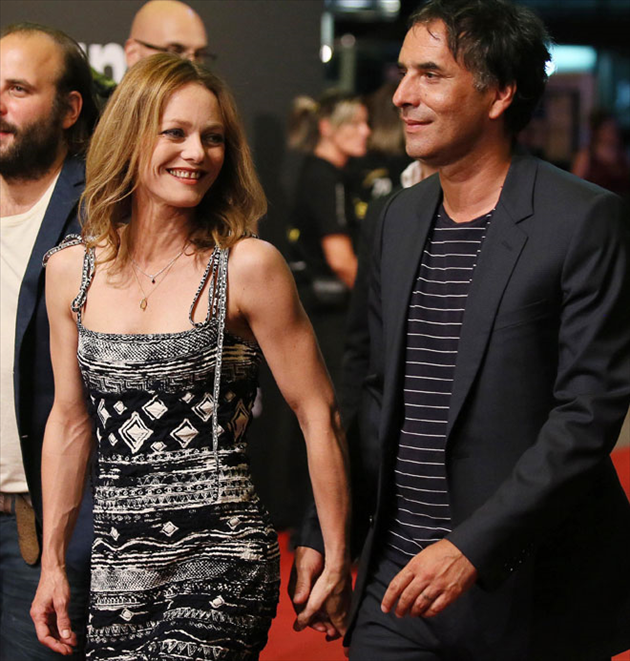 Vanessa Paradis, son idylle avec Samuel Benchetrit officialisée