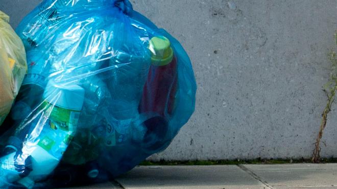 Une consigne sur les canettes et les bouteilles en plastique peut-elle être une solution aux détritus?