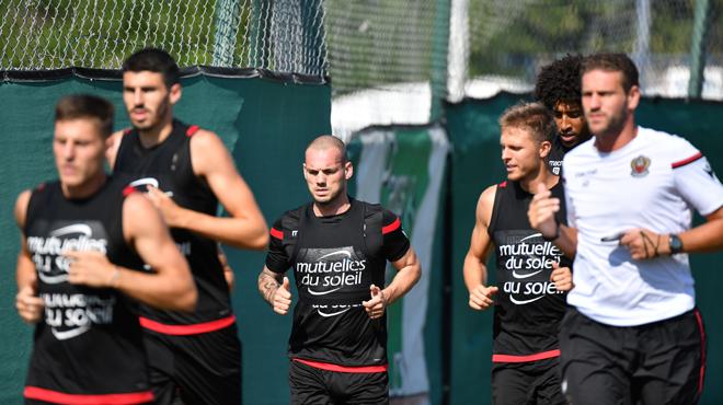 Balotelli et Sneijder aptes dès samedi — Nice