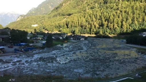Plusieurs disparus dans un glissement de terrain — Suisse