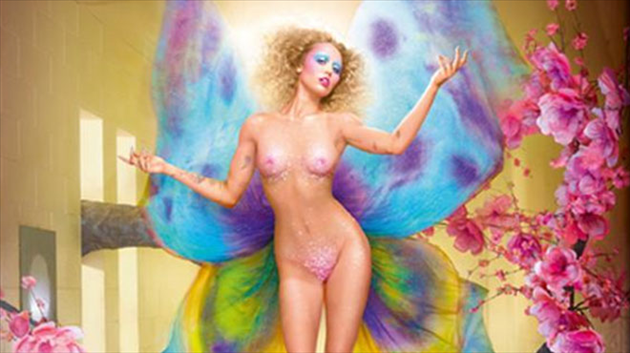 Miley Cyrus pose en fée sexy pour David LaChapelle