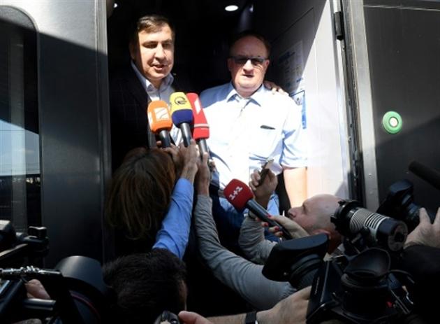 L'ex-président géorgien Saakachvili et ses partisans ont pénétré en Ukraine